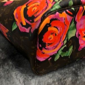 Louis Vuitton Bags - Louis Vuitton Stephen Sprouse Roses Neverfull MM